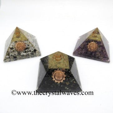 Mix Assorted Gemsotne Chips Orgone Pyramid With Sun Symbol