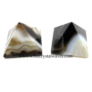 Black Banded Onyx Chalcedony 23 - 28 mm Pyramid