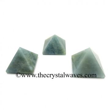Aquamarine less than 15mm pyramid