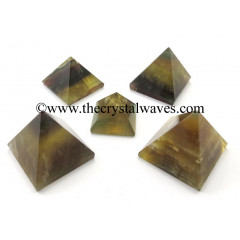 Fluorite less than 15mm pyramid