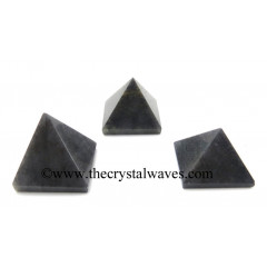 Blue Aventurine less than 15mm pyramid