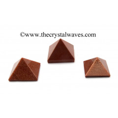 Red Glodstone less than 15mm pyramid'