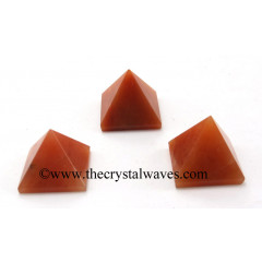 Red Aventurine 15 - 25 mm pyramid