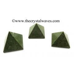 Grass Jasper 23 - 28 mm pyramid