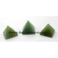 Green Aventurine (Light) 55 mm + pyramid
