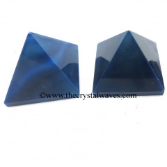 Blue Banded Onyx Chalcedony less than 15mm pyramid