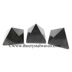 Shungite Good Polish less than 15mm pyramid